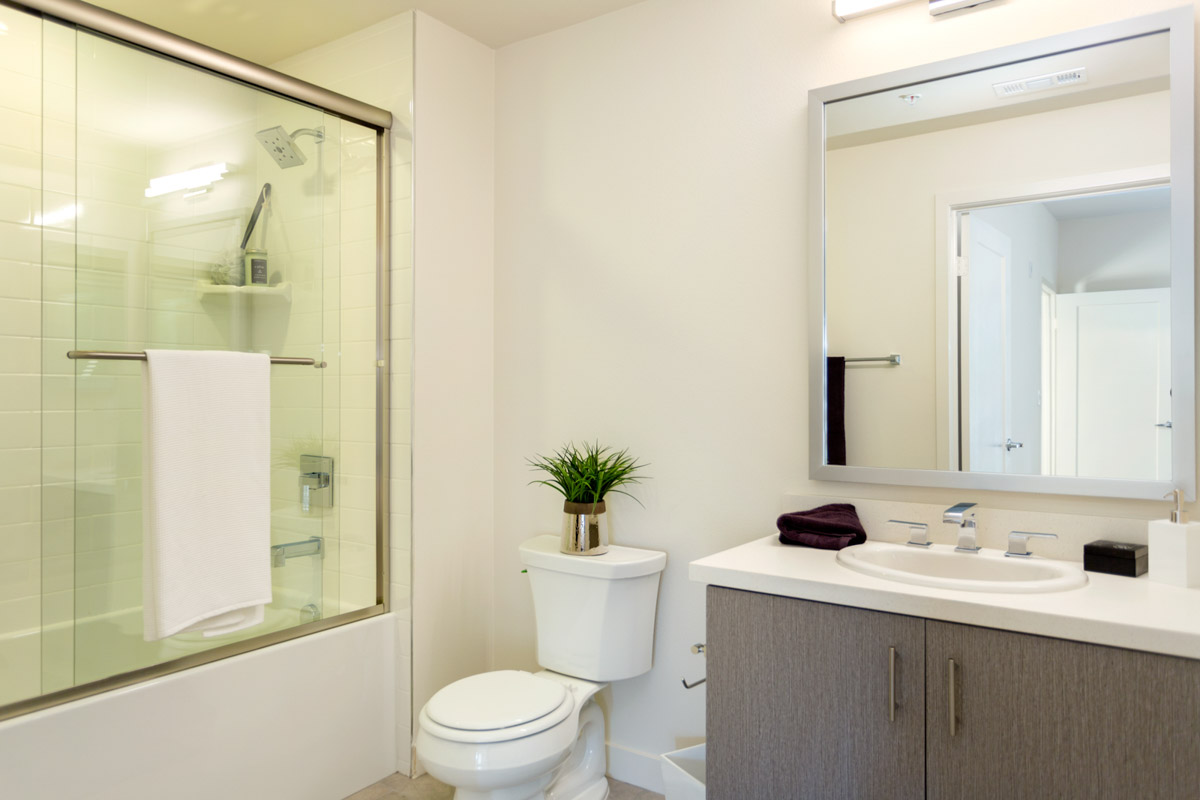 Bathroom_Virgil201WEB