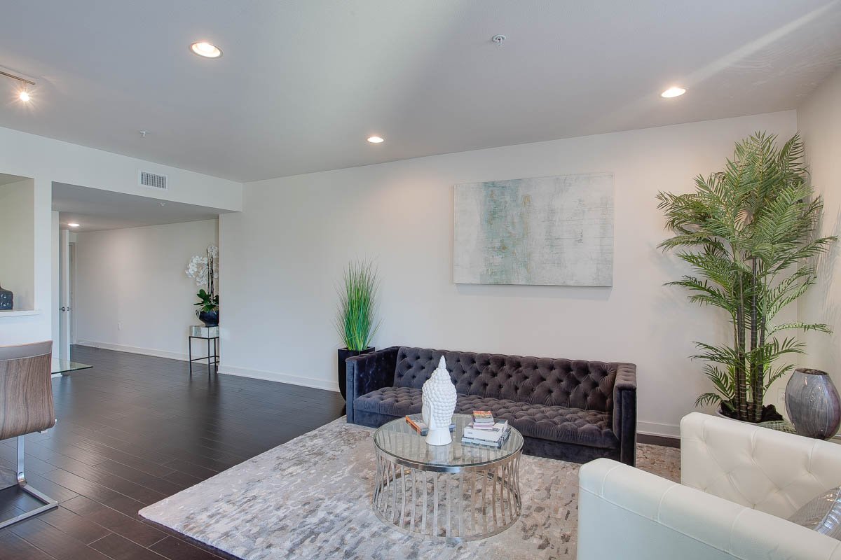 Element 436 Penthouse Residence B-1021