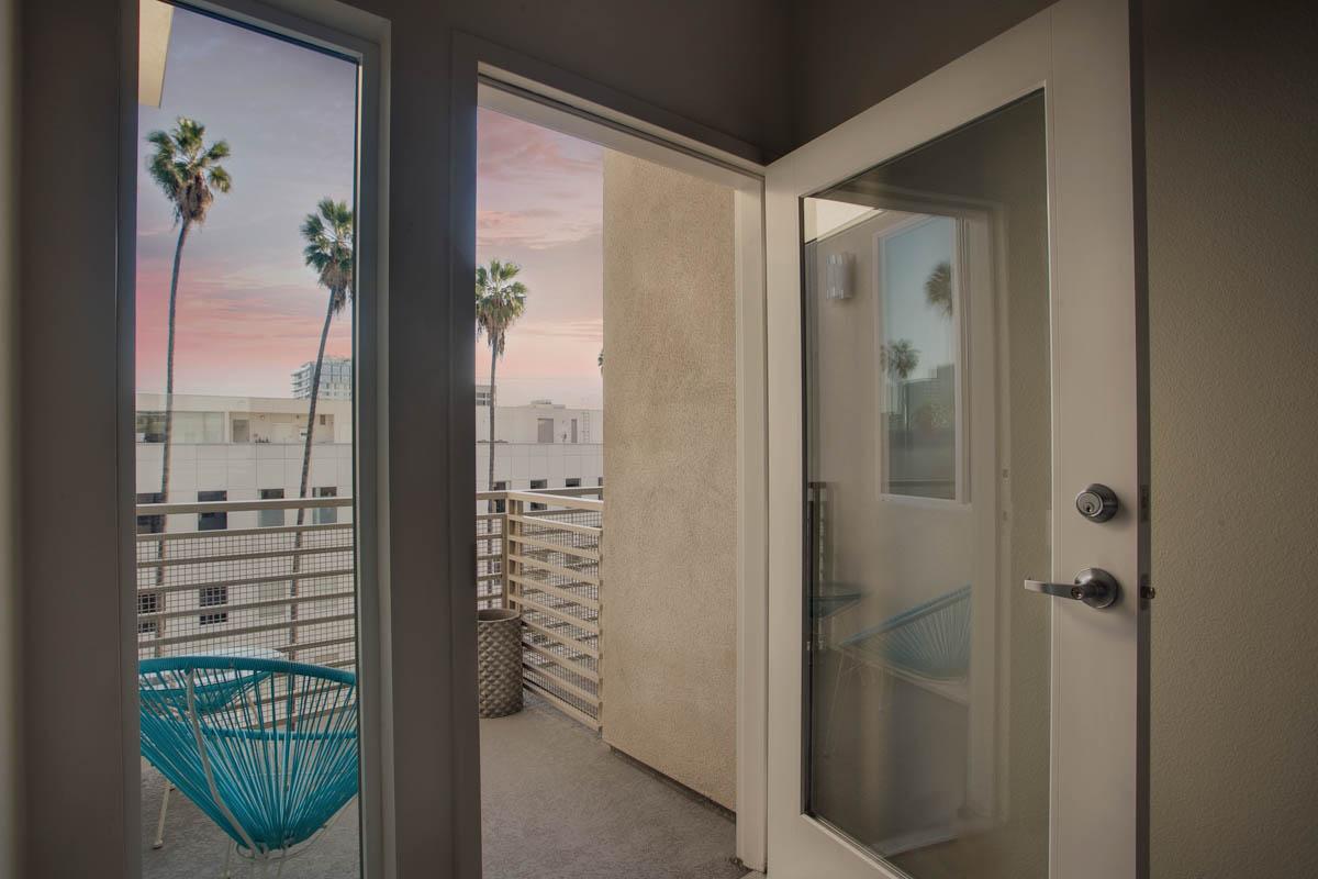 Element 436 Penthouse Twilight Balcony-1001