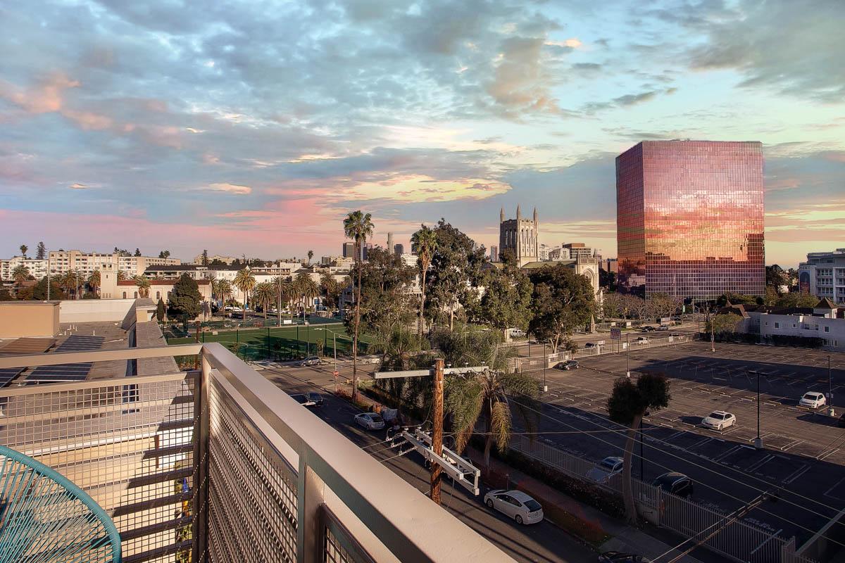Element 436 Penthouse Twilight Balcony-1002